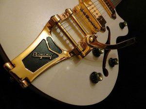 ההבדל בין מיתרי הגיטרה השונים